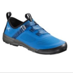 NWT Arcteryx Approach Shoes, Mens 9 Medium